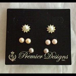 Premier Designs Earrings set NWT